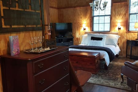 Tuscany Inn TN Combo-Grande-Piccolo - Hickman - Bed & Breakfast