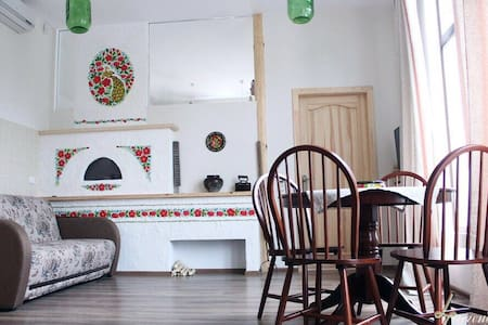 Сдам двух комнатный коттедж - Lakás