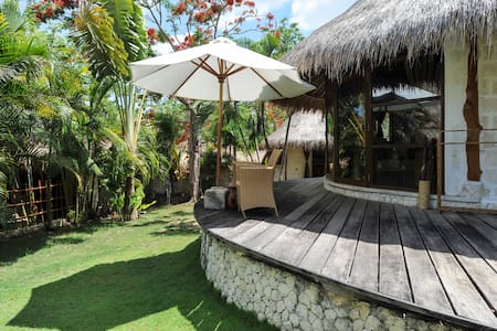 Exotic Limestone Cabin by the beach - South Kuta - Cottage