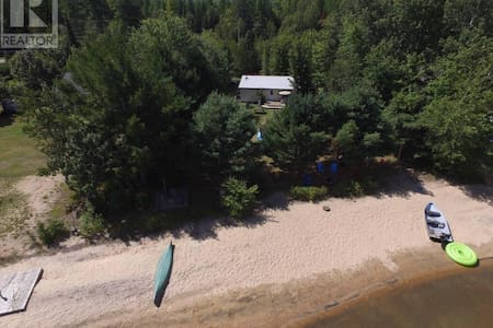 Cottage With Private Beach and Swimming - Kisház