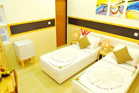 Arora Inn - Maafushi - Bed & Breakfast
