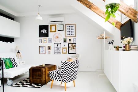 Exkluzív apartman Veszprém abszolút belvárosában - Veszprém - Apartmen