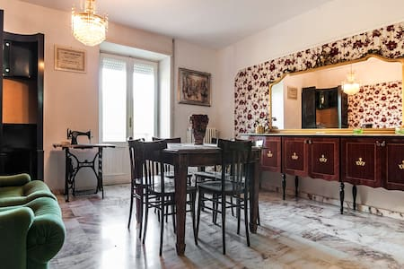 Real&typical italian country house - Hus