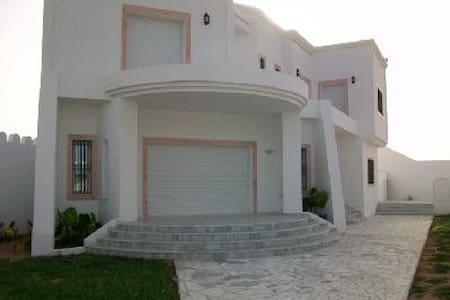 Maison à Sahloul - House