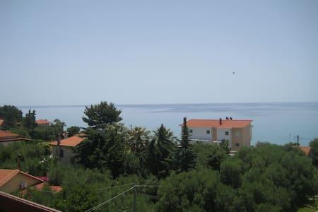 Petradaki Apartments 2 - Mola Kaliva - Halkidiki