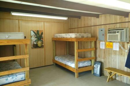 Independence Ranch (Cedar Cabin) - Gonzales - Cabin
