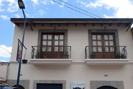 Cotacachi. Fully Furnished Apart. - Condominium