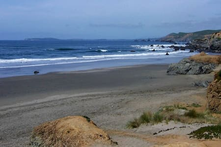 Ocean-View Bodega Bay Cottage - House