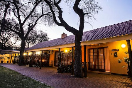 Sunbird Lodge, Guest house close to Kruger Park - Pension