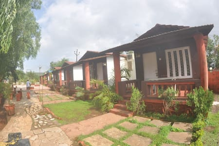 sinigle room villas - Dahivali