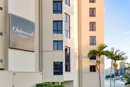 1 Bedroom Riverview Apartment - Daire