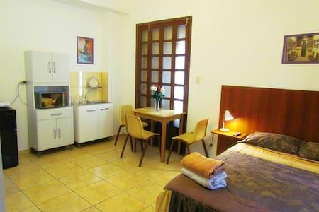 Miraflores Full Furnish Studio W/Full Bed # 4 - Apartment