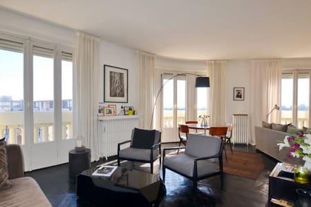 Proche Lille, Appartement 100 m2, penthouse. - Huoneisto