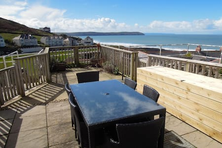Modern Woolacombe house with stunning sea views - Mortehoe - House