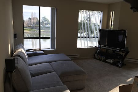 1BR in New Apt Caltrain Closeby!