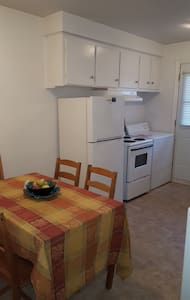 Comfortable apt with 2 bedrooms, including parking - Apartment