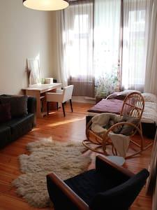 24m² Zimmer im Herzen von Wedding - Berlin - Apartment
