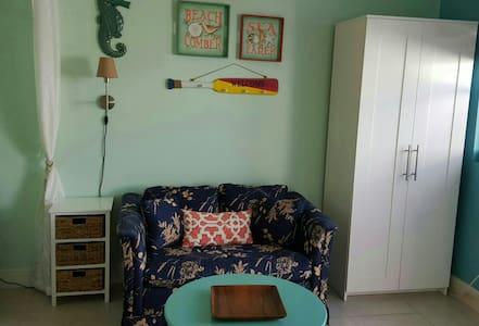 Cozy 1 bedroom apt in Pompano Beach