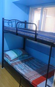 Affordable Room with WIFI near Robinson's Ermita - Manila - Condominium