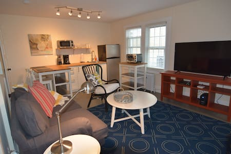 Fresh and Stylish Clarendon Apt. 2725#2 - Arlington - Apartment