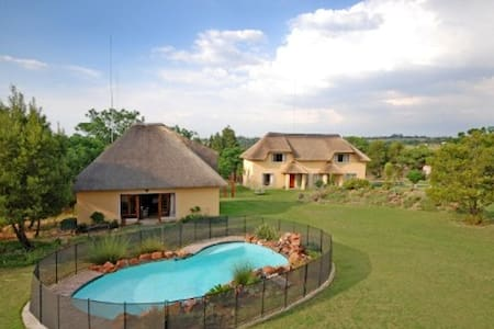Hoopoe Haven Guest Lodge - Chartwell