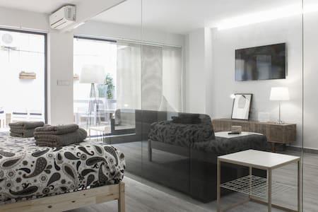 COZY NEW APARTMENT PERFECT LOCATION - València - Apartment
