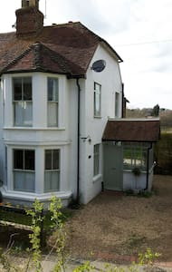 Cosy Victorian cottage with Hottub - Maidstone, Kent