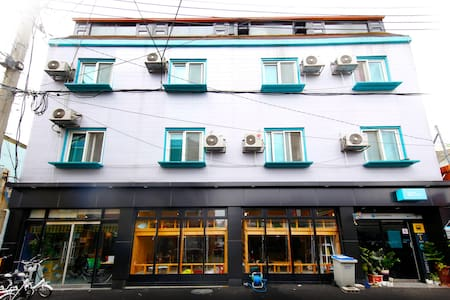 길건너게스트하우스 AcrossthestreetGuesthouse - Jogok-dong, Suncheon - Bed & Breakfast