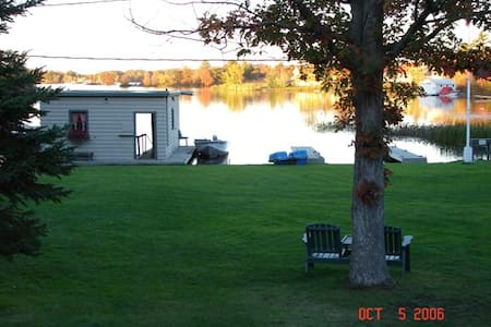Muskoka -2 bedroom- Sunnylea Resort - Severn