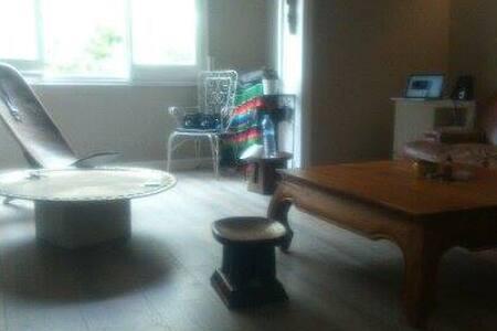 Spacious Doble Room/Quiet district - Barcelona - Apartment