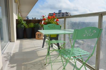 Studio front de mer, balcon et pk. - Appartement