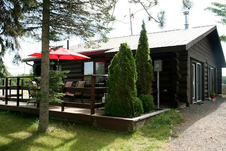 The Highlands 2 Bedroom Log Cottage - Buckhorn - Kulübe