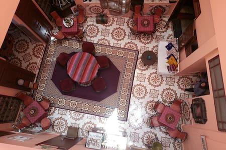 CHAMBRE  DANS UN RIAD - Meknes - Bed & Breakfast