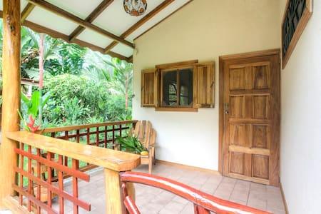 Cozy bungalow just 200m from sea! - Puerto Viejo de Talamanca - Bungalow