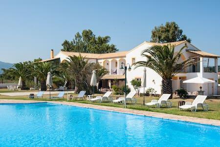 Corfu Sea Palm Residence Azura - Hus