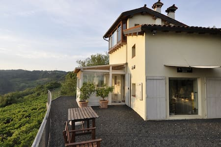 A romantic house in the vineyard - Haus