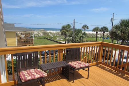 Salty Dog Ocean View Cottage - Hus