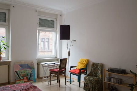 Spacious and cozy room in Mannheim