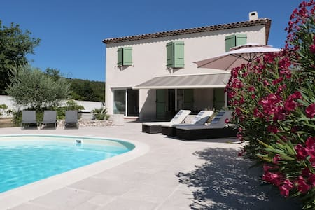 Bastide Nans les Pins near golf  - Maison