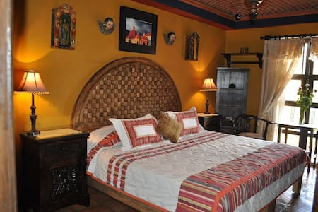 EL Caracol: Upstairs Bedroom