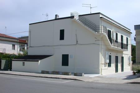 Appartamento a Marina di Nova Siri - House