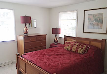 State College Rooms (2)