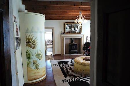 Master Bedroom in countryside villa - Olfino - Villa