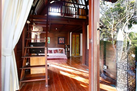 Private beach front villa, room 3 - Gianyar - Bed & Breakfast
