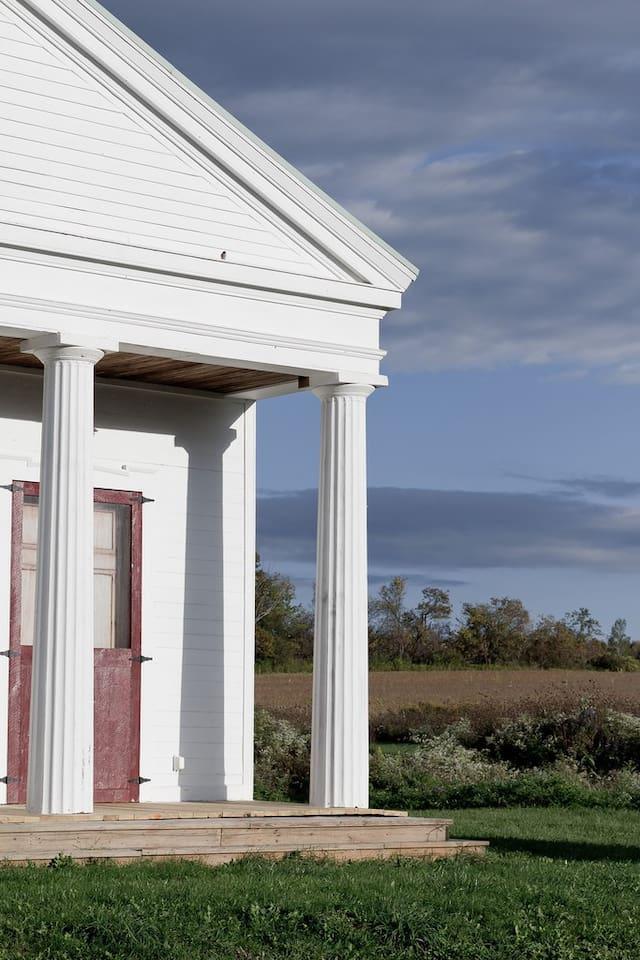 Artists' Paradise: Waterburg Chapel