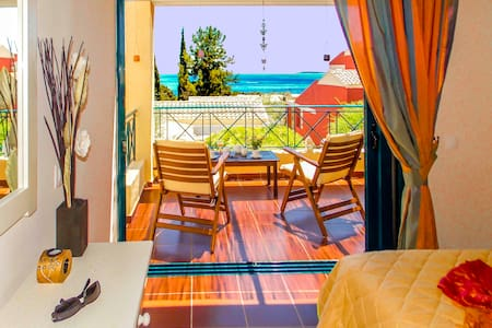 MANTO LUXURY ON BEACH 2 PERSONS APART BARBATI - Daire