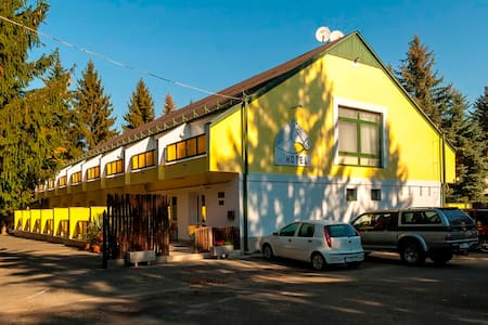 Lipicai Hotel - Bed & Breakfast