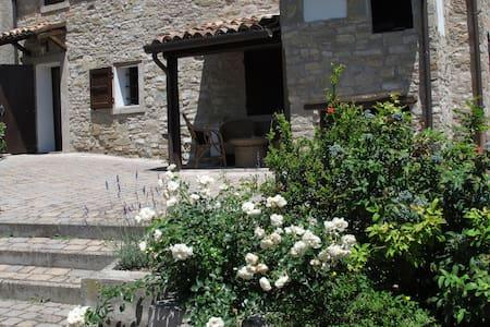 Nido di Matilde in Borgo Prà Mandè - Viano - Haus