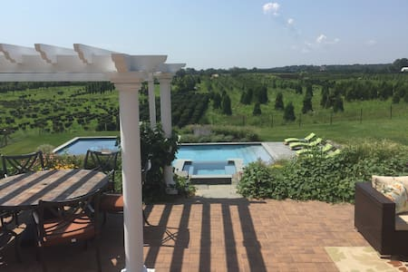 Stunning views in wine country - Cutchogue - Casa
