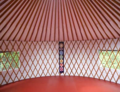 Yurt on the Hillside - Jurta